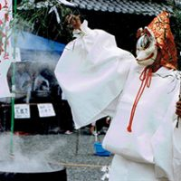 働く女性に御利益 折上稲荷神社御火焚祭