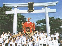 働く女性の守り神 折上稲荷神社 神輿渡御