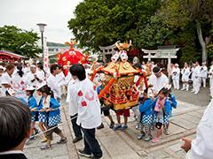 働く女性の守り神 折上稲荷神社 子供神輿渡御